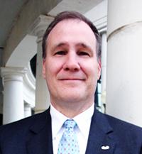 Mississippi: Zinn leads; Kelly makes runoff