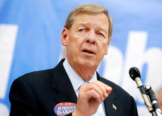 Isakson Receives Inaugural  'John McCain Service to Country Award'