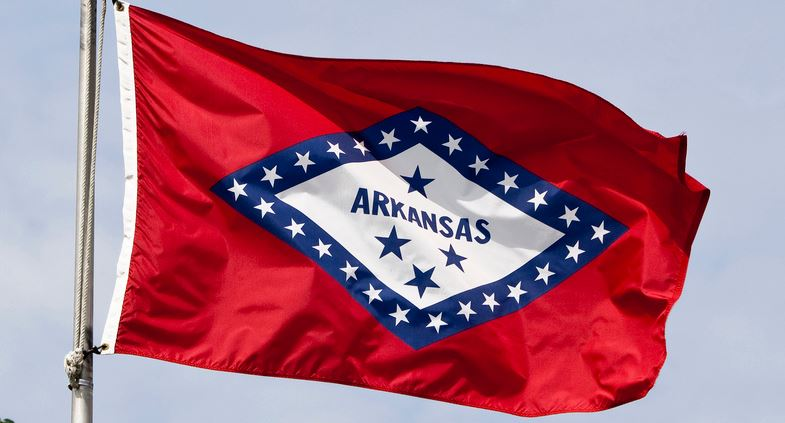 Arkansas: Gov. Hutchinson favored; US Rep. Hill in close race