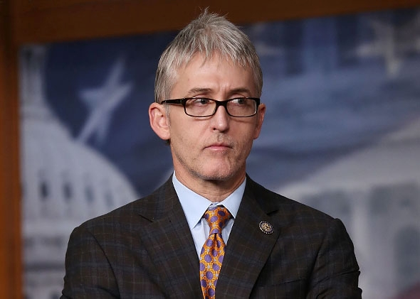 Gowdy breaks from GOP committee, says Russia worked to undermine Clinton